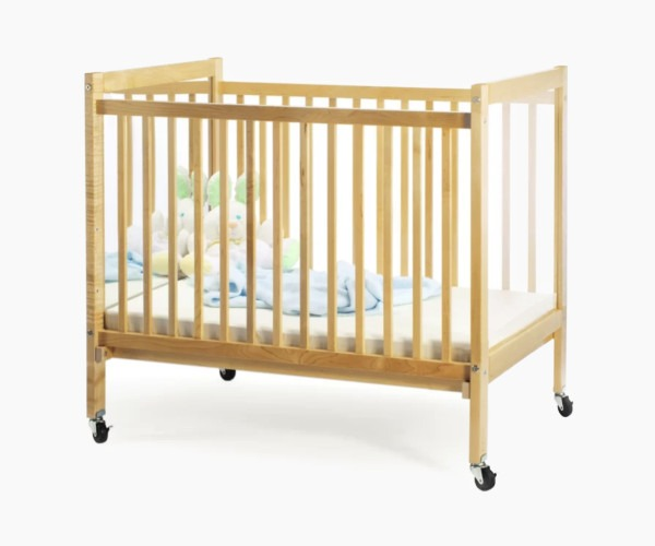 Whitney Brothers I See Me Infant Portable Crib