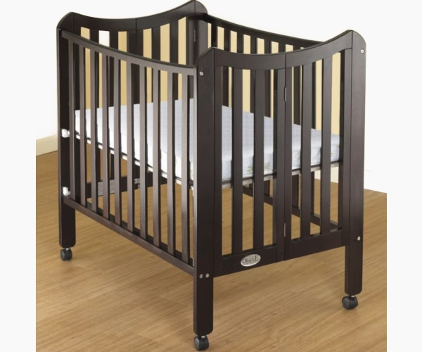 Orbelle Trading Tian Folding Portable Crib
