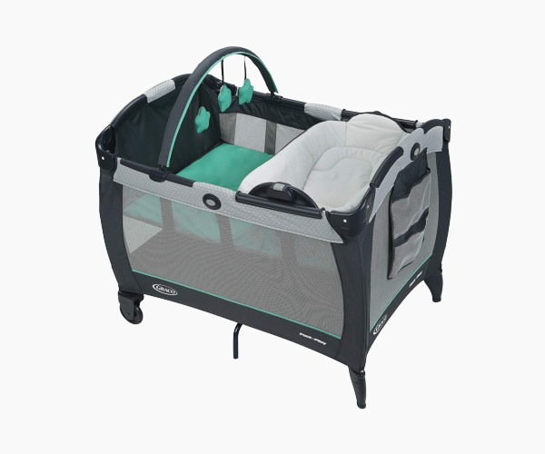 Graco Packn Play Playard with Reversible Napper and Changer Bassinet